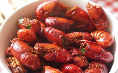 小龙虾攻陷欧洲 小龙虾的的正确吃法 小龙虾怎么吃