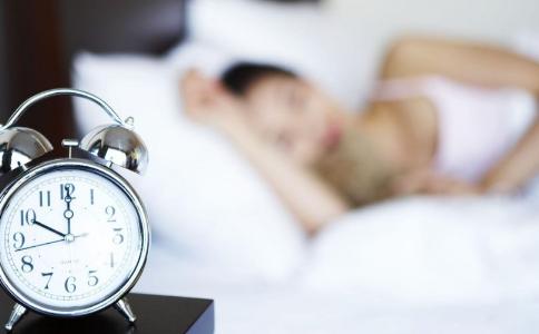 为什么熬夜之后更加精神 熬夜等于慢性自杀吗 熬夜的危害有哪些