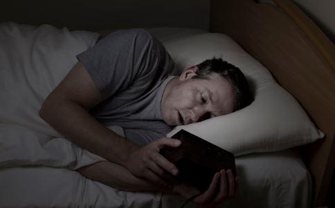 熬夜对皮肤有影响吗 熬夜的危害有哪些 如何护肤