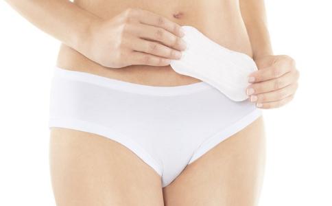 卫生巾使用不当会引发疾病吗 卫生巾使用不当会过敏吗 女人使用卫生巾要注意什么