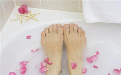 冬季泡脚的好处 冬季怎么泡脚 不适合泡脚的人