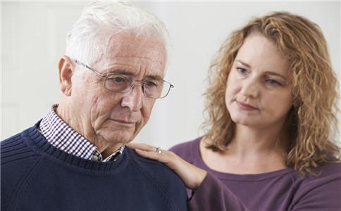 老人地铁呕吐不止 老人呕吐的原因 治疗呕吐的偏方