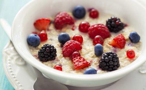 产后吃什么下奶 产后奶水少怎么办 产后吃什么食物催乳