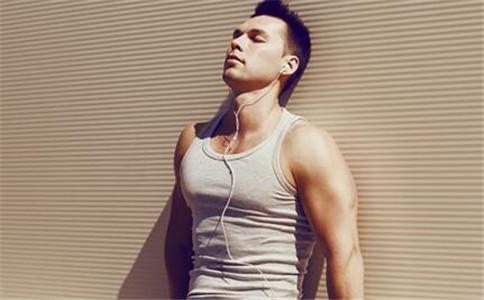 如何锻炼胸部肌肉 怎么锻炼胸部肌肉 胸肌拉伸方法