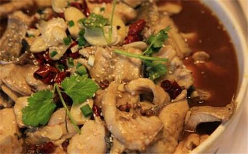 川菜水煮鱼怎么做 川菜水煮鱼做法 鱼片怎么切