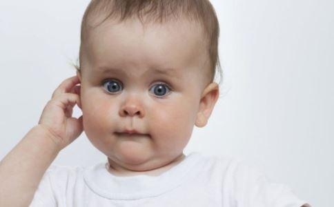 先天性小耳畸形是什么  先天性小耳畸形有哪些致病因素 先天性小耳畸形常有哪些表现