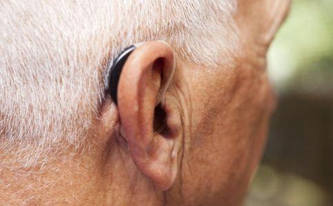 老年人听力下降如何防治 老年人听力下降怎么办 如何预防听力下降