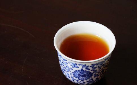 红茶与什么一起喝效果好 红茶怎么喝能养生 喝红茶的好处有哪些