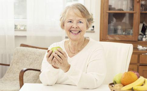老人晨起后如何养生 老人养生方法 老人生活里怎么养生