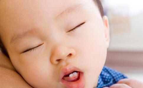 什么是小儿腺样体肥大 小儿腺样体肥大有哪些症状表现 引起小儿腺样体肥大的原因是什么