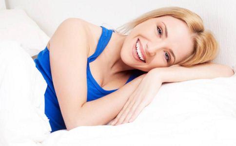 什么能使你牙齿健康洁白 美白牙齿吃什么 美白牙齿有哪些方法