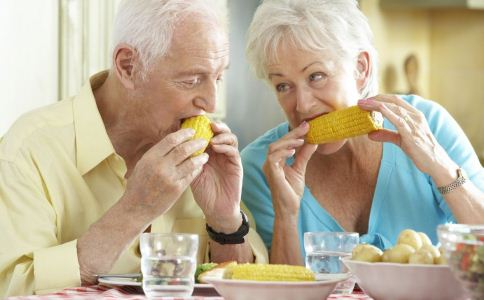 老人怎么吃早餐 老人吃什么早餐好 老人早餐吃什么好