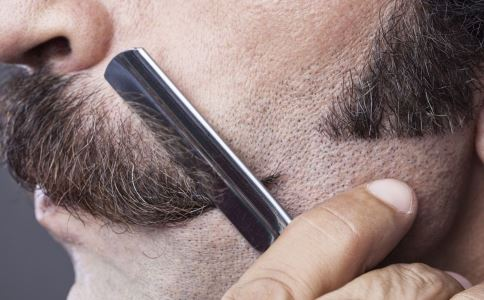 男人刮胡子好吗 男人刮胡子要注意什么 男人如何刮胡子