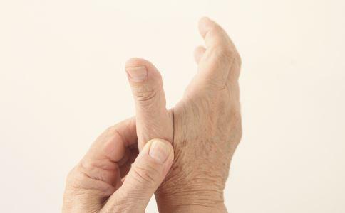 关节炎如何治疗 如何缓解关节炎 关节炎的类型有哪些