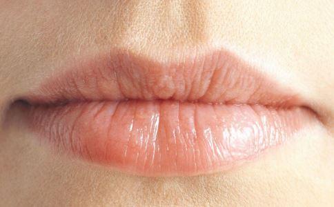春季怎么保养嘴唇 护唇的方法有哪些 春季怎么护唇