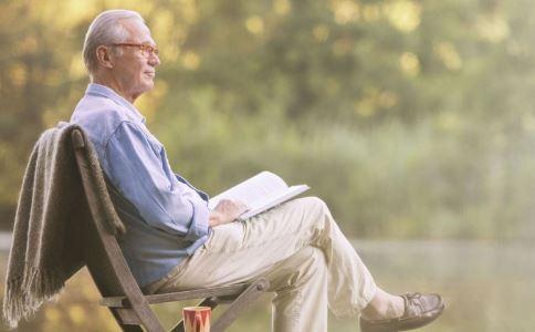 空巢老人要准备哪些生活用品 空巢老人会出现哪些心理疾病 空巢老人的心理健康