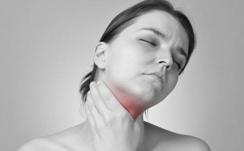 咽部有异物感时怎么回事 咽部有异物感的诱因是什么 咽部有异物感常见哪些疾病