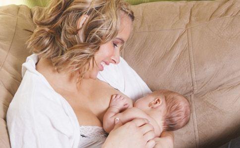 宝宝吃母乳身体发抖怎么办 宝宝吃奶时发抖怎么回事 宝宝缺钙的表现