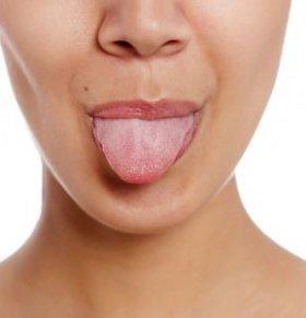 舌苔厚白黄黏怎么回事 怎么从舌头看健康 舌苔厚白是什么原因