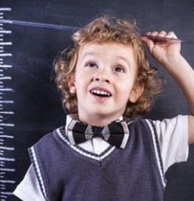 小孩怎么做才能长高 小孩长高的方法 小孩吃什么可以长高