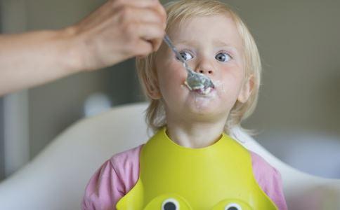 添加辅食的注意事项 辅食添加注意 宝宝辅食添加注意