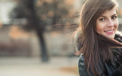 脸色发黄是乙肝吗 导致脸黄的原因有哪些 哪些原因会导致脸色变黄