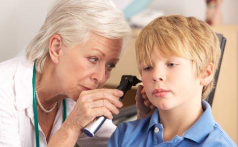 佩戴助听器有几项原则 儿童佩戴助听器有哪些好处 儿童助听器耳模多久换一次
