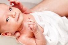 新生儿需要用沐浴露吗 宝宝何时能用沐浴露
