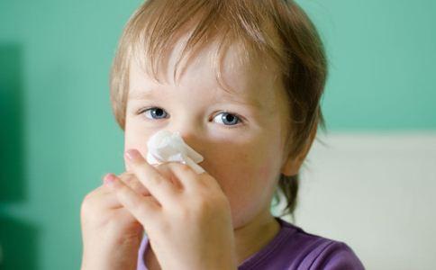 冷水洗鼻子可以治疗鼻炎吗 鼻炎怎么办 鼻炎的治疗方法