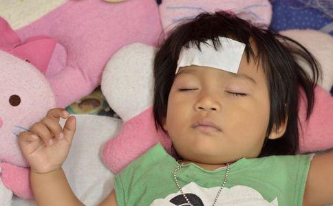男童发烧送医后不治身亡 儿童发烧的原因 什么原因导致儿童发烧