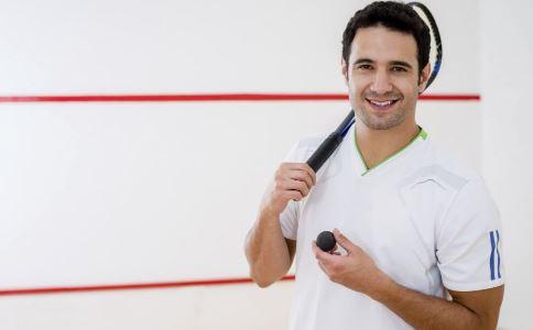 男人打羽毛球好吗 男人打羽毛球有什么好处 打羽毛球的好处有哪些