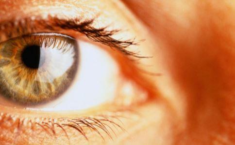 眼睛发黄是什么原因造成 哪些方法能解决