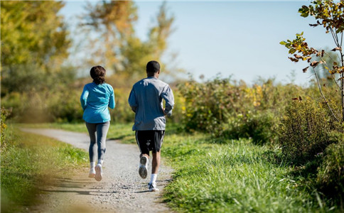 春季跑步的注意事项 春季跑步的好处 适合春季的运动