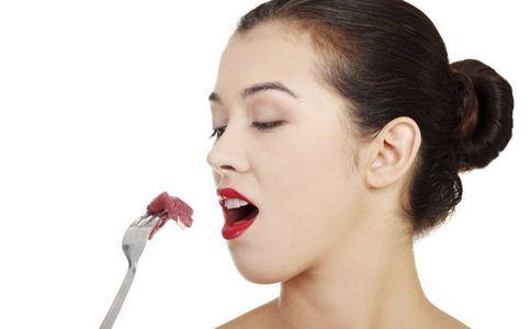 预防口臭吃什么 预防口臭的食物有哪些 什么食物预防口臭
