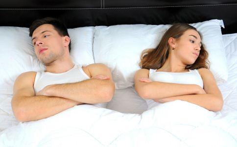 夫妻吵架不能做什么事 吵架时不能做什么事 夫妻吵架后如何和好