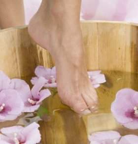 小月子可以泡脚吗 小月子泡脚的好处 泡脚的好处有哪些
