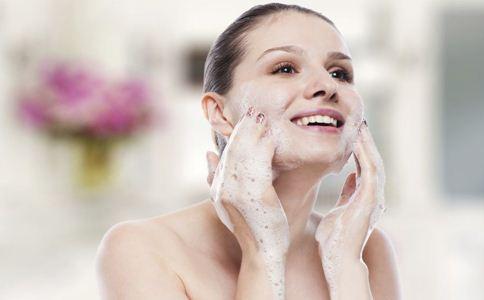 春季护肤正当时 5个小技巧让肌肤水水哒