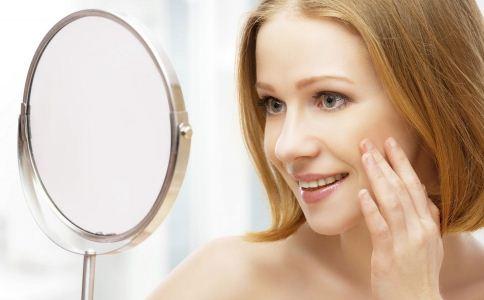 毛孔粗大怎么办 毛孔粗大长粉刺怎么办 什么方法可以收缩毛孔