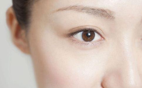 女人该怎么预防出现眼袋 该怎么预防眼袋 眼袋该怎么预防
