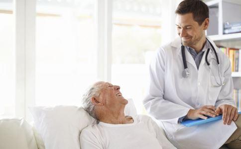 老人要做什么体检好 老人需要做哪些体检项目 老人体检要注意什么