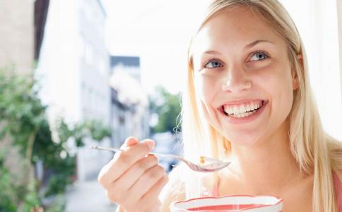 为什么总是想吃东西 可能是营养缺乏