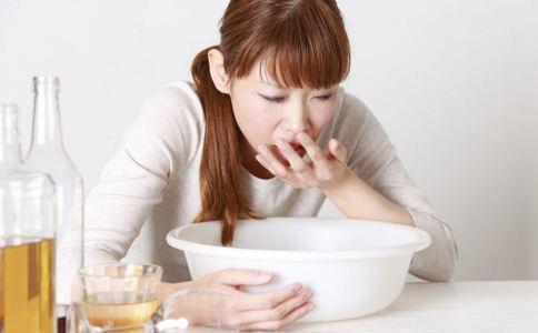 小月子呕吐怎么办 小月子呕吐的原因 小月子呕吐怎么回事