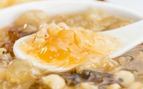 银耳莲子汤怎么做 银耳莲子汤做法 银耳莲子汤怎么做最好