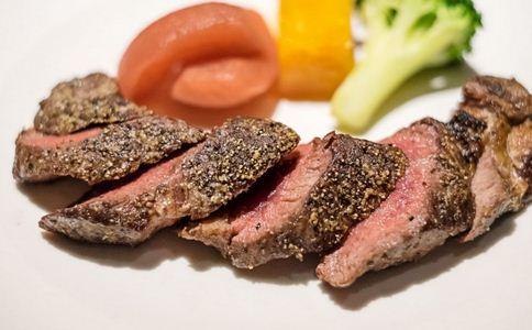 吃牛排噎食窒息 如何预防被食物噎住 预防被食物噎住的方法