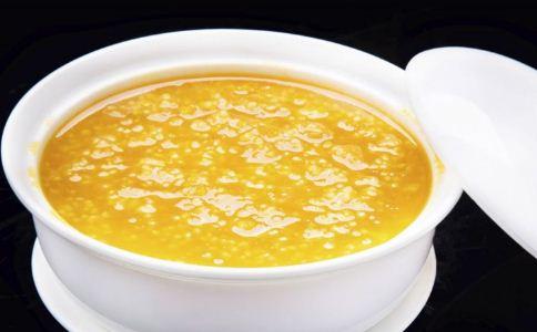 哪些人适合喝小米粥 小米粥适合哪些人食用 喝小米粥的注意事项