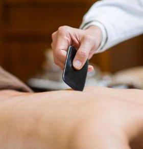 刮痧的作用是什么 刮痧的好处 刮痧的功效与作用