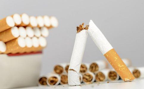 男人抽烟会导致高血脂吗 高血脂的诱发因素有哪些 高血脂的危害有哪些