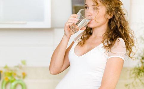 孕妇上火喉咙疼怎么办 孕妇上火怎么办 降火的方法有哪些