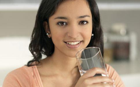 别再劝人多喝热水 热水的危害有哪些 热水有什么危害