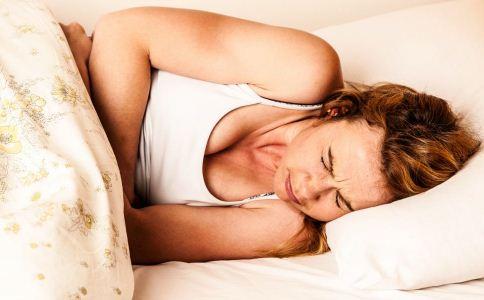 为什么女人来月经更加容易生病 月经期间该怎么保健 女人来大姨妈该怎么保健
